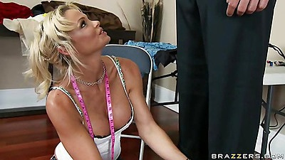 Big tits mom with frackles offers a dinner