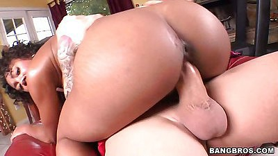 Evanni Solei Sits on cock stretching