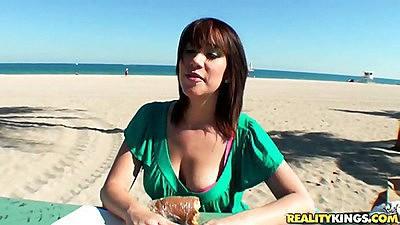 Street blowjobs ar emore like beach blow jobs