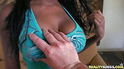 Sexy ebonoy kesha is such a tight fresh cutie