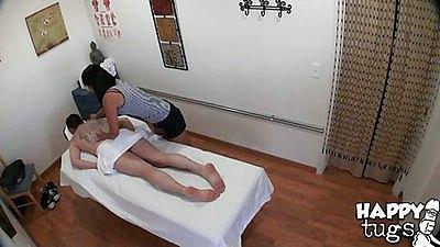 Happy tugs massage with sexy asian babe Yuki