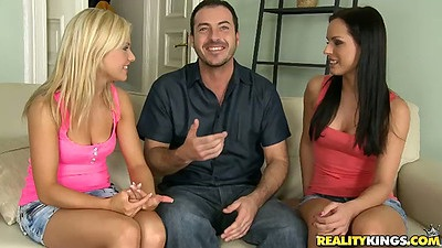 Sexy euro chicks Kari and Bella Baby in threesome apt