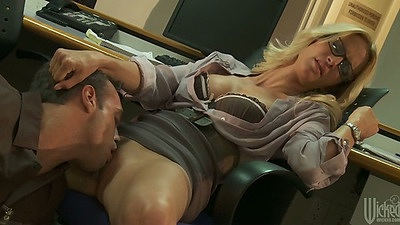 jessica drake enjoys a pussy licking and blowjob behind the desk