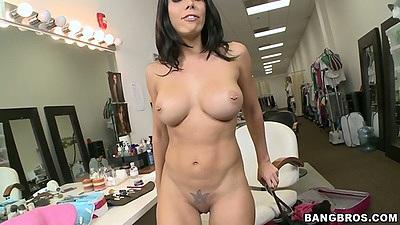 Big tits althletic milf Rachel Starr spreadin gpussy and handjob
