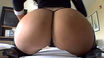 Nice round ass Olivia O posing her asshole