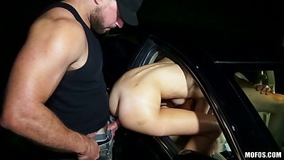 Chick hangs her ass out of a car window to get entered Ariana Marie