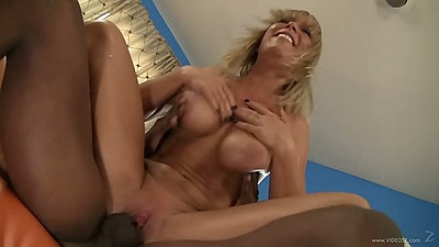 Reverse cowgirl Jessica Moore jumping on black meat then sucking it
