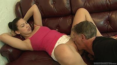 Pussy licking slender latina Nena Vargas and a blowjob